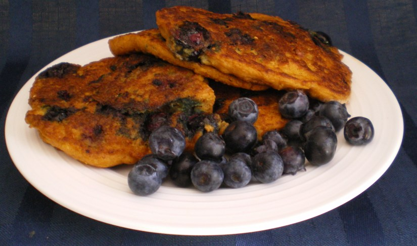 blueberry-quinoa-pancakes